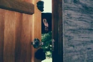 Como evitar roubos e furtos em residências