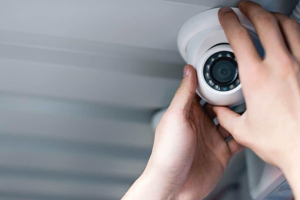 instalar câmeras de segurança